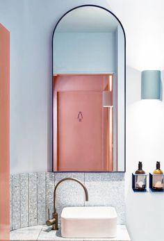 luxury-towels-maison-lili-french-chic-pink-washroom