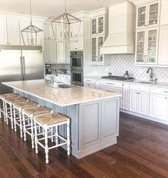 Country Kitchen Farmhouse, Modern Farmhouse Kitchens, Cool Kitchens, Farmhouse Sinks, Farmhouse Style, Luxury Kitchens, White Kitchens, Kitchen On A Budget, Home Decor Kitchen