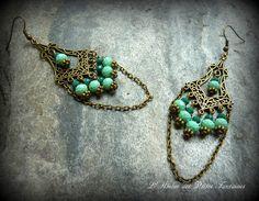 Boucles d'oreilles esprit baroque turquoises, émeraudes et bronze antique.