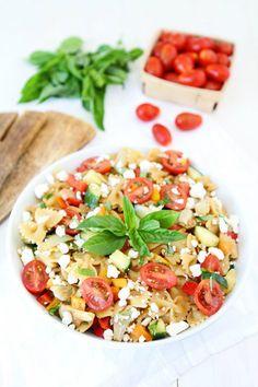 ensala de pasta con tomate