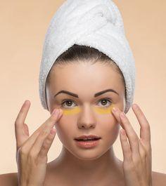 Try Applying Turmeric Paste Around Your Eyes. The Results Are Impressive! Skin Care Regimen, Skin Care Tips, Beauty Secrets, Beauty Hacks, Beauty Products, Turmeric Paste, Tumeric Face, Beauty Tips In Hindi, Dark Circles Under Eyes