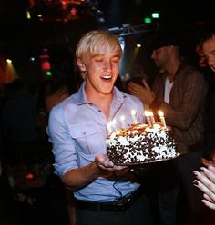Discovered by c🥀. Find images and videos about tom felton on We Heart It - the app to get lost in what you love. Objet Harry Potter, Mundo Harry Potter, Harry Potter Draco Malfoy, Harry James Potter, Harry Potter Pictures, Harry Potter Characters, Severus Snape, Tom Felton Harry Potter, Hermione Granger
