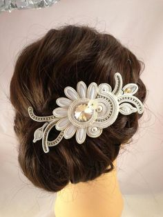 Items similar to Headdress Soutache Flower on Etsy Fabric Jewelry, Boho Jewelry, Wedding Jewelry, Fashion Jewelry, High Fashion Makeup, Soutache Necklace, Fascinator Hats, Polymer Clay Charms, Bar Earrings
