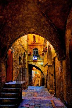 Jerusalem <3 .  An alley in the Jewish Quarter, the old city of Jerusalem, Israel.