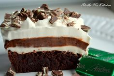 Mint Brownie Delight dessert: brownie bottom topped with sweetened cream cheese, chocolate pudding and whipped cream, sprinkled with Andes mints! Brownie Recipes, Cake Recipes, Dessert Recipes, Dessert Ideas, Sweet Recipes, Eat Dessert First, Dessert Bars, Just Desserts, Delicious Desserts