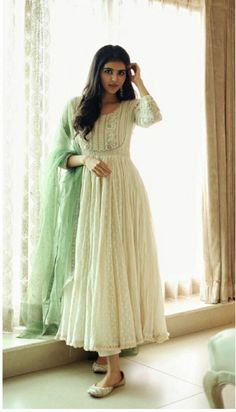 Salwar Designs, Kurti Designs Party Wear, Designer Kurtis, Indian Designer Suits, Robe Anarkali, Anarkali Bridal, Indian Anarkali, Lehenga, Saree
