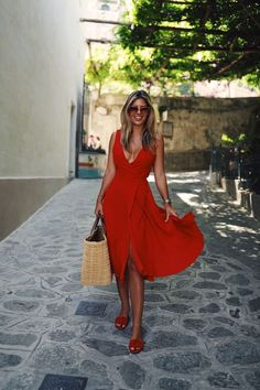 Summer red dress, summer look, red outfit Red Dress Outfit, Red Wrap Dress, The Dress, Dress Outfits, Fashion Outfits, Red Flowy Dress, Dress Fashion, Fashion Mode, Look Fashion