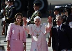 """Benedict arrives in Mexico praying for end to drug violence       Slideshow   """"I come as a pilgrim of faith, hope and charity,"""" Pope Benedict XVI said after arriving in the state of Guanajuato, Mexico. Mexican President Felipe Calderon and his wife, Margarita Zavala, met the pontiff at the Silao airport. DARIO LOPEZ-MILLS / THE ASSOCIATED PRESS    By ALFREDO CORCHADO / Mexico Bureau  LEON, Mexico — Pope Benedict XVI arrived Friday to jubilant crowds on his first trip to Mexico and said he…"""