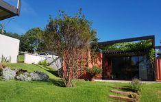 A Casa Onze foi projetada pelo Estúdio Quadra em parceria com o Estúdio STO, em Brasília