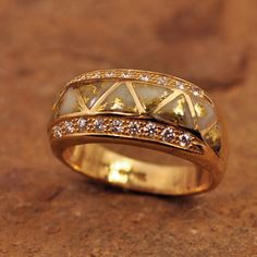 Beautiful gold-in-quartz and diamond kabana ring
