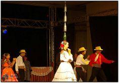 Danza paraguaya con la botella