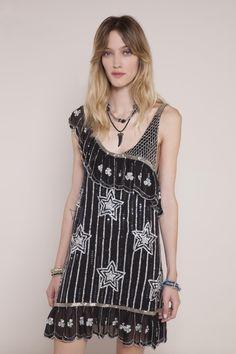 Conocé lo nuevo de este Verano 17 en Rapsodia.com > Vestido Ruffia Rashida