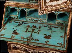 Scriban du XVIIIème en arte povera, détail de l'abattant
