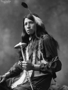 Richard White Bull - OGLALA- 1899 (Uncle Johnny Meens was a chief of the Oglala Sioux. He was such a terrific man. Native American Pictures, Native American Beauty, Native American Tribes, Native American History, American Indians, The Americans, Native Americans, Native Indian, Navajo