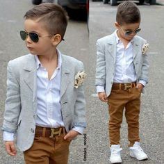 Boyswear: How to Get Boys to Dress and Act like Gentlemen Gent Style Inspiration Toddler Boy Fashion, Little Boy Fashion, Toddler Boy Outfits, Fashion Kids, Toddler Boys, Baby Boys, Outfits Niños, Baby Boy Outfits, Boys Dress Outfits