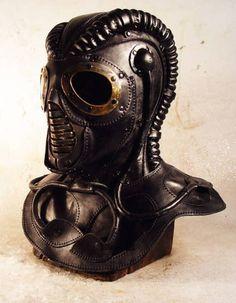 pencilplanetes: my-ear-trumpet: Boing Boing: Ukrainian steampunk leatherworker Bob Basset's latest creation, the RP2,