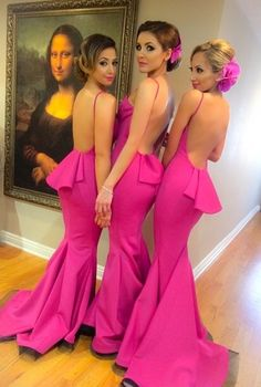 I love these bridesmaid dresses, except I would turn the bottom black lace to a white one.