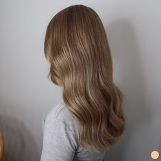 Lowlights i blont hår - Peach Stockholm Cut Her Hair, Hair Color And Cut, Hair Cuts, Honey Blonde Hair, Brunette Hair, Gorgeous Hair Color, Wedding Hair And Makeup, Layered Hair, Hair Videos