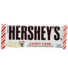 Cette barre Hershey's aux couleurs de Noël marie le fondant du chocolat blanc avec le croquant des éclats de candy cane, ce délicieux sucre d'orge à la menthe. Cette barre est une nouveauté de Hershey's qui risque de devenir un grand classique de Noël aux USA.