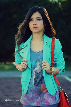 Love this mint green jacket!!! As you probably already know I love mint green! I also love the style of this jacket. This jacket would look cute with jeans, a cute top and a cross body bag.