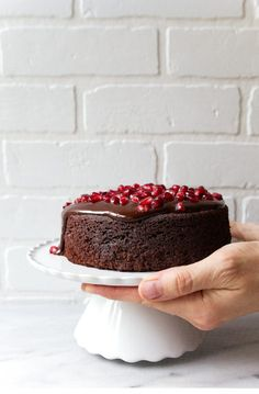 Want to make a cake in small portions? Here are 18 great easy recipes for small cakes that will serve two. Who doesn't like cake . Read Easy & Delicious Small Cake Recipes to Serve Two Chocolate Cake For Two Recipe, Mini Chocolate Cake, Chocolate Recipes, Chocolate Cobbler, Chocolate Cheesecake, Chocolate Frosting, Homemade Chocolate, Cakes To Make, Mini Desserts