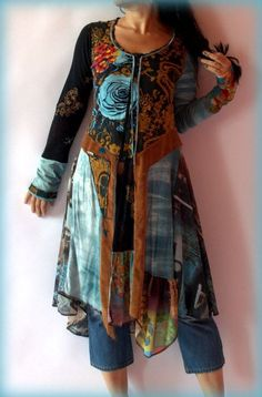 Blue rose fantasy dress tunic. 3/4-length tunic over capri-length jeans - wouldn't have thought of it, but I like it.