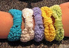 Simple Crochet Ribbon Bracelet / Bangle: free pattern