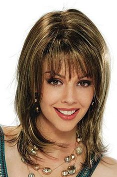 By donning the medium length hairstyles that one can still realize very womanly as long haircuts and styles can be easily done on the medium hair. Haircuts For Medium Length Hair, Medium Shag Haircuts, Haircut For Thick Hair, Medium Hair Cuts, Long Hair Cuts, Medium Hair Styles, Short Hair Styles, Hairstyles With Bangs, Cool Hairstyles