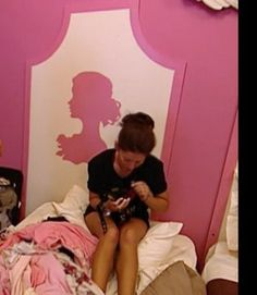 "Girls' Bedroom on ""The Bachelor"""