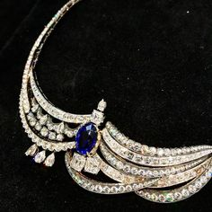 Официальный аккаунт TATLER Россия в Instagram Dior Jewelry, Creative Director, Singapore, Turquoise Necklace, Instagram Posts, Fashion, Moda, Fashion Styles, Fashion Illustrations