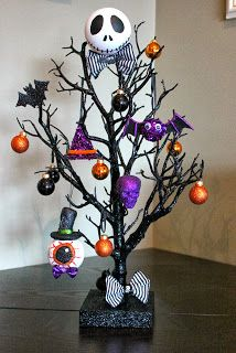Halloween Tree. Nightmare Before Christmas.Made by Serena Bee