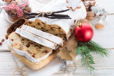 Such Stolle can be used as a Christmas gift to their friends and relatives! Cupcakes, House Smells, Holiday Tables, Camembert Cheese, Good Food, Menu, Dishes, Baking, Ethnic Recipes