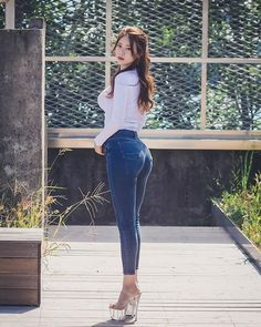 38 Tight Jeans Women Looking So Beautiful & Hot - MindBlowra sexy tight sexy tig. - 38 Tight Jeans Women Looking So Beautiful & Hot – MindBlowra sexy tight sexy tight - Redhead Girl, Brunette Girl, Sexy Jeans, Trendy Jeans, Fashion Pants, Girl Fashion, Beautiful Asian Women, Sexy Asian Girls, Girls Jeans