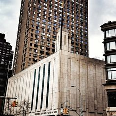 Manhattan New York LDS Temple. Mormon Temples, Lds Temples, Beautiful Architecture, Beautiful Buildings, Where Is Heaven, Lds Temple Pictures, Home Temple, Temple Design, Empire State Of Mind