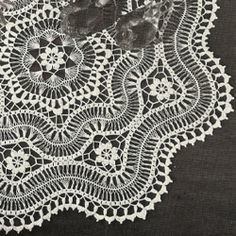 Pattern contains instructions to crochet a large doily in hairpin lace. Broomstick Lace Crochet, Hairpin Lace Crochet, Thread Crochet, Crochet Motif, Crochet Stitches, Crochet Hooks, Knit Crochet, Crochet Patterns, Cross Stitches
