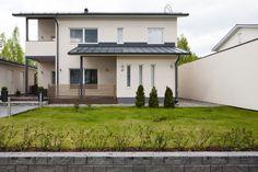 Kivitalo kahdessa tasossa, lisää ideoita www.lammi-kivitalot.fi Stone Houses, Home Fashion, Garage Doors, Mansions, House Styles, Outdoor Decor, Future, Home Decor, Modern Architecture