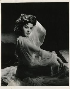 Hedy Lamarr || one of my heros and I hope that someday is will be as gorgeous as her!