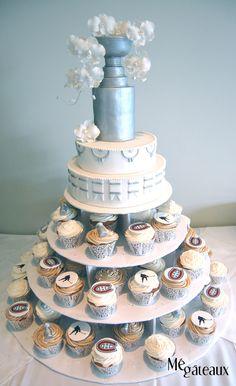 Amazing Wedding Cakes Show what Wedding Cake Prices For 200 Cupcake Wedding Favors, Wedding Reception Favors, Diy Wedding Cake, Gold Wedding Theme, Wedding Shower Gifts, Wedding Themes, Wedding Ideas, Wedding Invitations, Dream Wedding