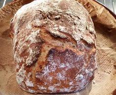 Rezept Kleines rustikales Brot, gebacken unter Tonglocke von Heike_kocht - Rezept der Kategorie Brot & Brötchen