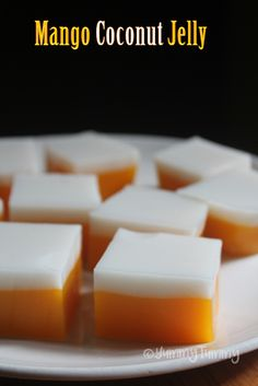 Mango Coconut Jelly Recipe This is a delicious pudding not only to look at but it taste yummy Mango Desserts, Jelly Desserts, Mango Recipes, Jello Recipes, Cold Desserts, Indian Desserts, Pudding Desserts, Snack Recipes, Chinese Desserts