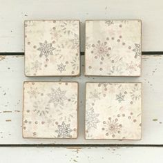 Snowflake Wood Drink Coasters, Wood Coasters Decorated With Snowflakes,  Wood Coaster Sets, Home Decor, Christmas Tableware, Wood Coaster | Wood  Coasters, ...