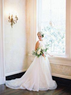 Southern Charm Inspiration Shoot | Dress: Lea-Ann Belter Camille | Images: Julie Paisley | Location: Nashville's Riverwood Mansion