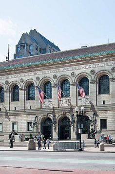 Turn any corner in Boston and you are bound to run into a landmark, from the gold-domed State House to the unmistakably-green Fenway Park. But nothing is as much of a gathering place as the Boston Public Library. #familyvacations #easternstates