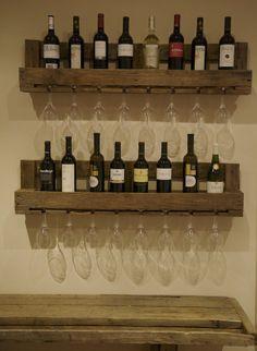 Original botellero hecho con palets reciclados / www.paletos.net / #pallet #palet #reciclado #diy #recycled #paletos #bottle rack #bottle #botellero