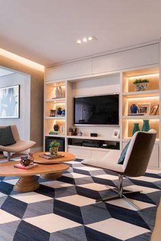 Varanda gourmet integrada com sala de tv e jantar. Salas Home Theater, Home Theater Tv, Tv Furniture, Furniture Design, Living Room Tv, Dining Room, Home Tv, Living Room Designs, Family Room
