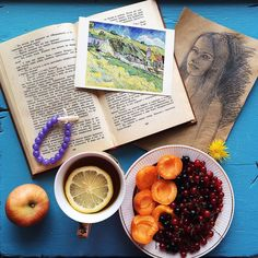 Люблю понедельникиВсем чудесной недели и вкусных завтраковP.S. - Спасибо за браслет @no_drama_queens! Мне кажетсяон приносит удачу#vsco#vscoart#vscocam#instadaily#instatomsk#tomskgram#goodmorning#breakfast#vscolife#vscoph#vsco#vscotomsk#morning#instabeauty#summer#happy#instafood#vscofood#vscosummer#instaart#bestoftheday#foodporn#girls#мирдолжензнатьчтояем#books#siberia#healthy#vscobest#photooftheday#flatlay#onthetable by osipkatya