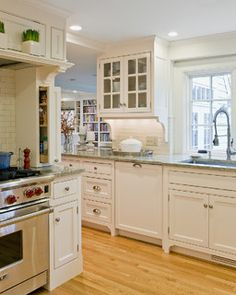 Busby Cabinets Kitchen Ideas. Classic White Kitchen With Plenty Of Design Ideas. Kitchen Design photo - 1