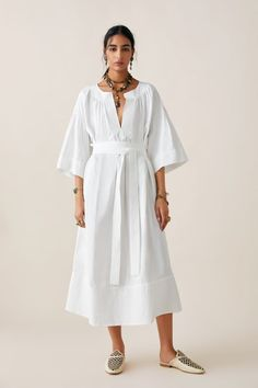 ZARA - Female - Limited edition zara studio oversized tunic - White - S Sequin Midi Dress, Midi Shirt Dress, White Midi Dress, Dress With Boots, The Dress, Dress Girl, Summer Dresses For Women, Dresses For Sale, Zara Dresses