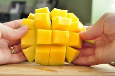 how to cut a mango with a pit