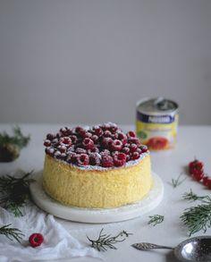 Cheesecake soufflé de leite condensado com coulis de frutos vermelhos